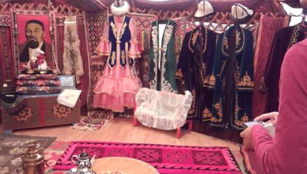 カザフ博物館衣装